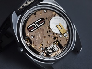 Omega f300 movement 2