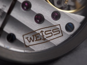 Weiss Movement Close Up